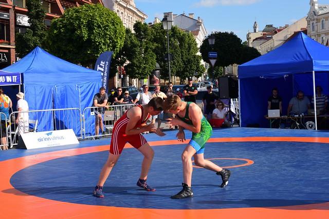 Vilnius / Town Hall Square /  Greco-Roman wrestling /  2/2