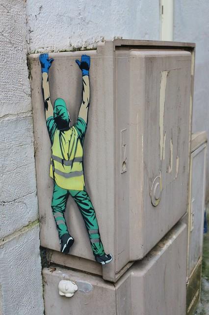 Jaune_0848 rue Sainte Catherine Bayonne [EXPLORED]