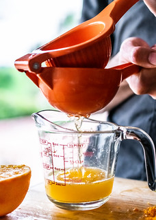fresh-squeezed orange juice is so much more flavorful than store-bought | by Husbands That Cook