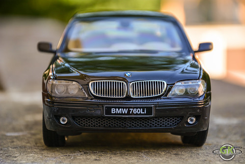 BMW 760Li V12 (E66) Individual 1/18 Kyosho   by GK Modelcar Universe