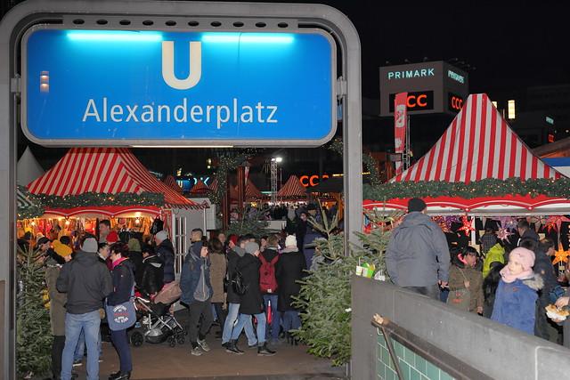 Weihnachtsmarkt irgendwo in Berlin Mitte