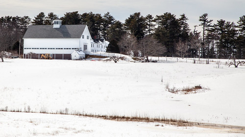 harpswell maine merriconegan farm winter snow barn harpswellneck skolfieldshorespreserve