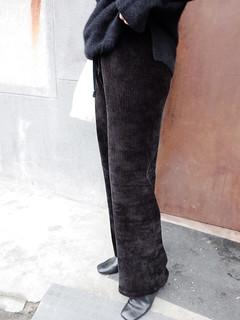 20181215076   直條文絨布黑寬褲  $1780   by Sweets640