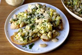 cannellini aglio e olio | by smitten kitchen