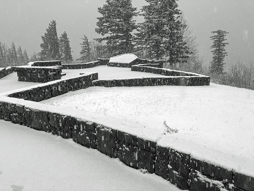 crownpoint oregon columbiarivergorge multnomahcounty historic gorge landscape snow winter