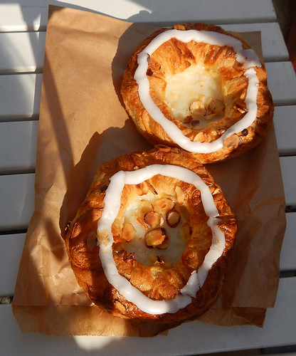 I know this memorable pastry as Copenhagen but in Copenhagen they call them Spandauer with vanilla cream