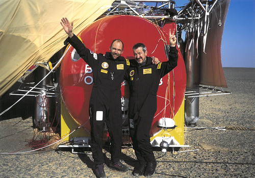 Bertrand Piccard and Brian Jones after landing in the Egyptian desert | by FAI - World Air Sports Federation