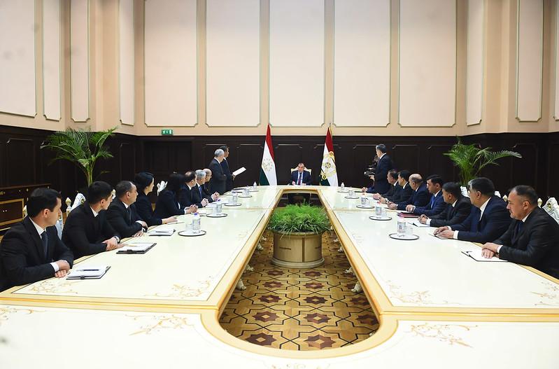 Лидер нации Эмомали Рахмон провёл кадровые изменения в ряде государственных органов