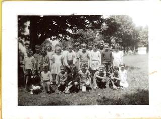 GB22-1-w School children 1950 front_19xx-020   by Bayfield Breeze