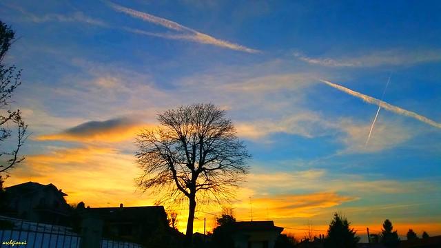 camminando al tramonto