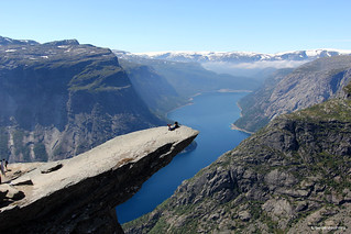 Trolltunga | by libelle_journey