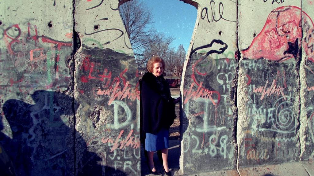 Thatcher visits Berlin Wall sculpture in Fulton, 1996 | Flickr