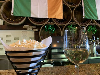 I started my weekend with wine and garlic parmesan popcorn | by walelia