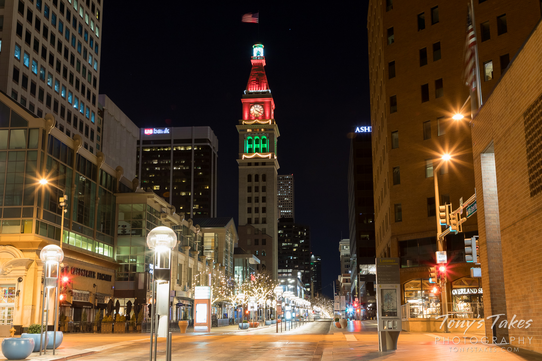 Denver's 16th Street Mall and the Daniels and Fisher Tower in holiday lights. (© Tony's Takes)