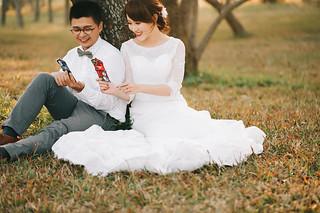 [美式婚紗]偉書 & 雅璽 / 戶外草地   by weddingren