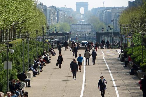 La Défense | by diamond geezer