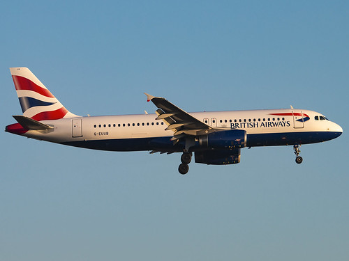 British Airways | Airbus A320-232 | G-EUUB | by Bradley's Aviation Photography