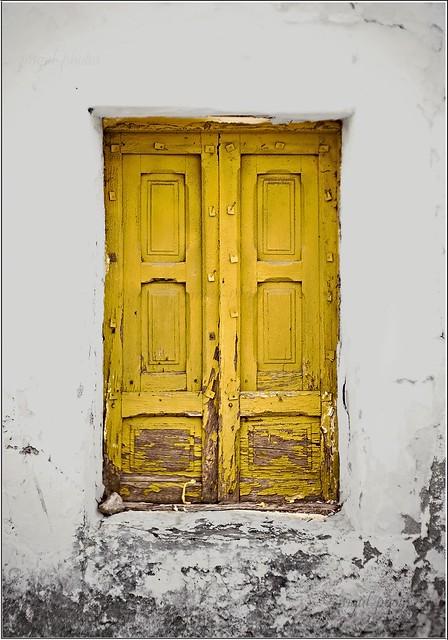 ventana amarilla acehuche