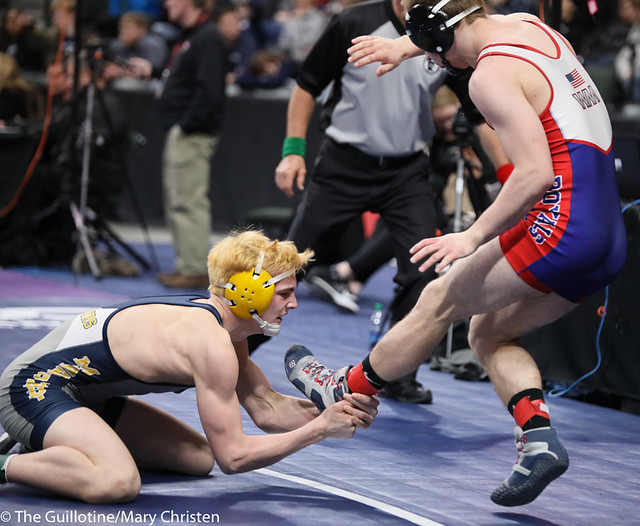 138AA 3rd Place Match - Carter Entinger (Watertown Mayer-Mayer Luth.) 38-4 won by decision over Bryce FitzPatrick (Mahtomedi) 39-11 (Dec 6-5). 190302BMC3730