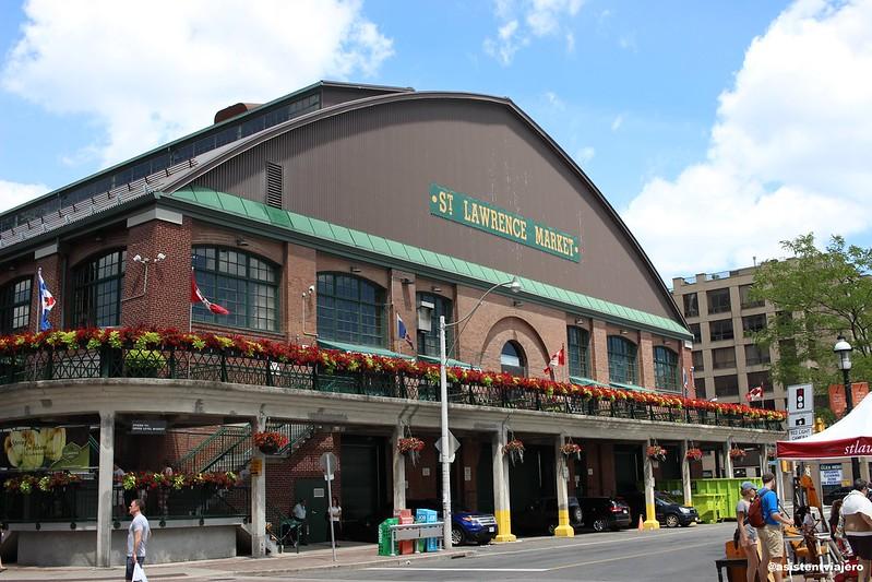 Toronto St Lawrence Market (1)