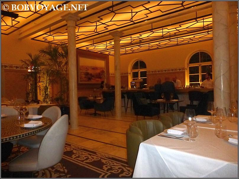 מסעדת ג'ורג' וג'ון (George & John)