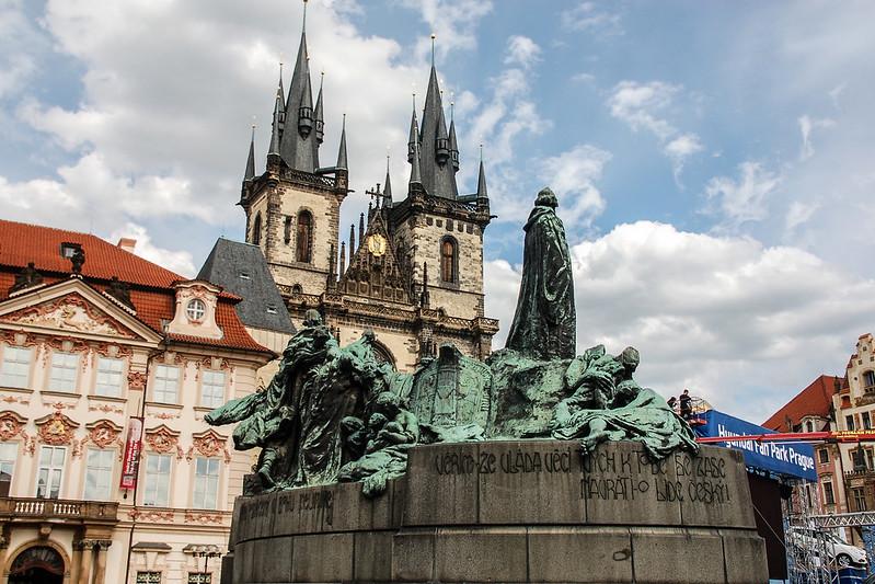 Jan Hus(胡斯)雕像 & 泰恩教堂