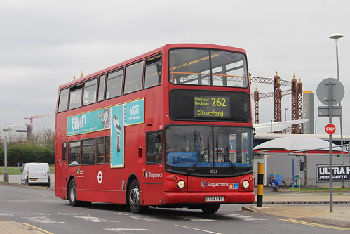Stagecoach London 18211 on Route 262, Gallions Reach