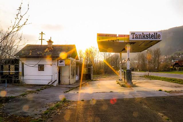 Tankstelle der Vergangenheit   Gas station of the past