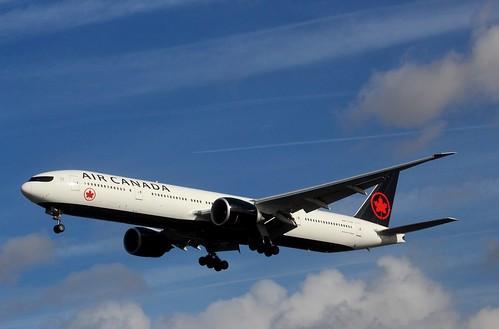 Air Canada C-FIVW
