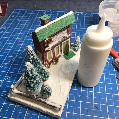 how to make a putz house
