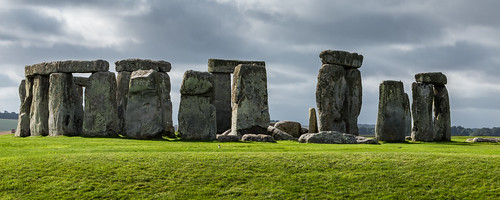 stonehenge stonecircle unesco monument amesbury wiltshire nationaltrust ancient megalithic panorama grass field sky