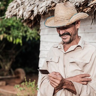 Look at me! Piñar Del Rio, Cuba. A brief conversation with another photographer today reminded me of one of the great pleasures I take from capturing photos of some of the people I meet. There is something about giving them a small token of appreciation f | by PlateausPeakPhotos