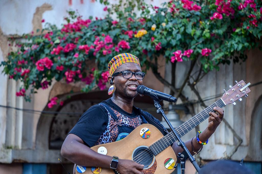Burudika AK lead singer