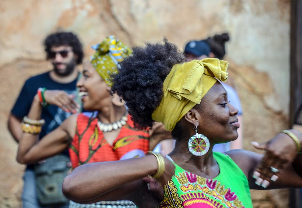 Burudika dancers AK