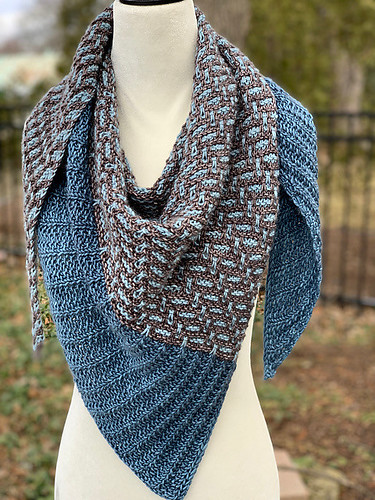 JChan8's Moonlit Path shawl by Lisa Hannes...Love Jenny's beautifully knit shawls!