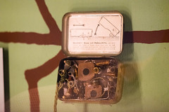 Resistance Dutch radio in a tobacco tin