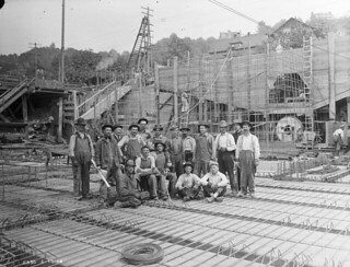 Lake Union Steam Plant construction workers, 1914