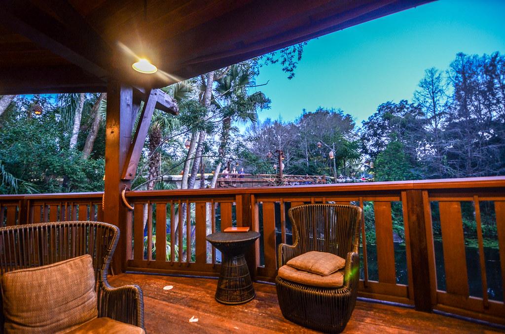 Nomad Lounge deck AK