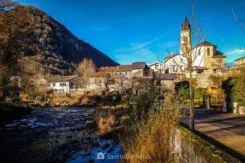 Luzenac sobre el río Ariège