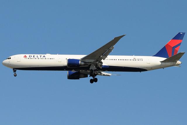 N834MH - Boeing 767-432(ER) - Delta Air Lines @ JFK