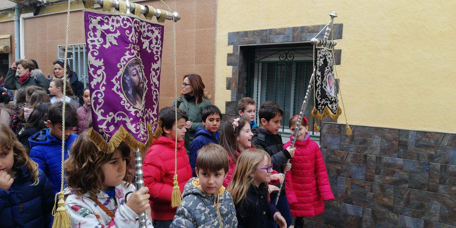 (2018-03-23) II Vía Crucis Infantil (Catequistas) (09)