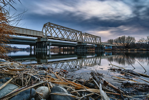 yakima yakimariver richland washington river reflection reflect morning sunrise bluehour bridge railroad winter sony sonya6000 a6000 tricities hwy240 hdr longexposure