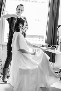 Getting Ready in Wiesbaden | by weddingraphy.de