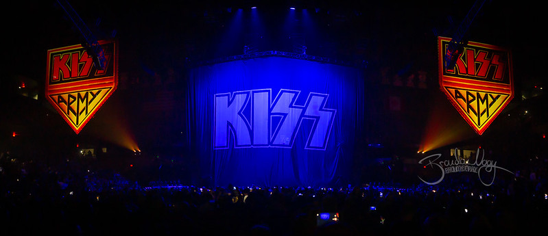 Kiss | 2019.03.09