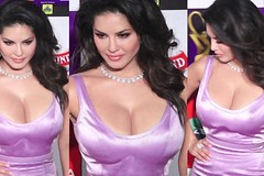 Sunny Leone At Her Best at Zee Cine Awards 2019