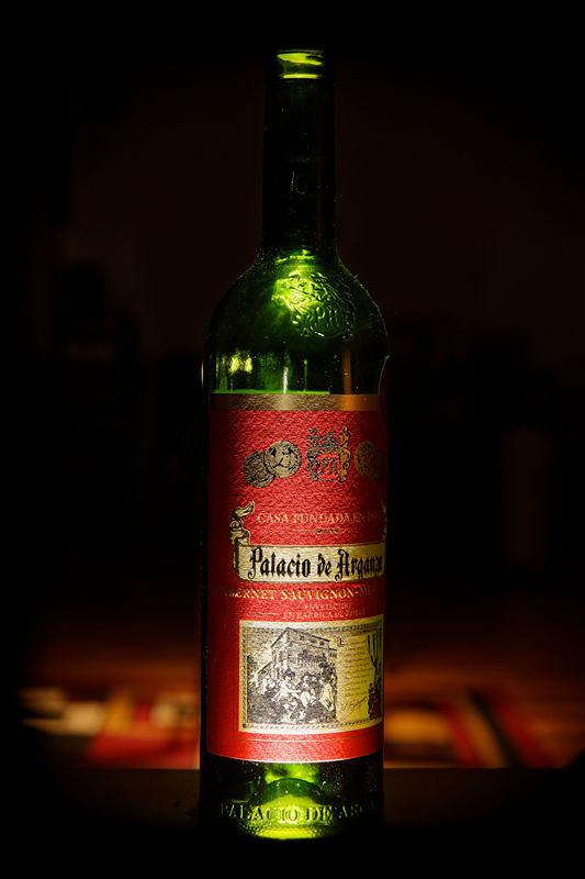 wine bottle | wine bottle off camera flash 20AM + M3600 unde… | 4paul! | Flickr