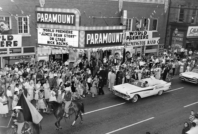 IN, Marion-Paramount Theater Movie Premiere Parade