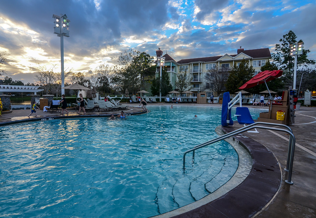 Saratoga Springs pool day