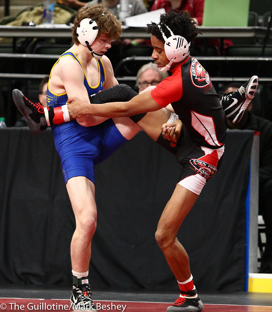 132 - Quarterfinal - Cole Becker (St Michael-Albertville) 42-7 won by decision over Azi Rankins (Eden Prairie) 33-6 (Dec 9-4) - 190301amk0017