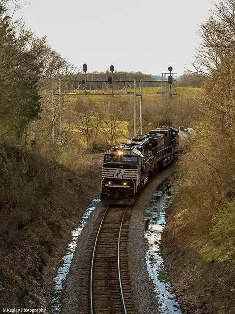 NS 162 getting on the NS Appalachia District at Bulls Gap Wye and going for a crew change at Whitehorn.
